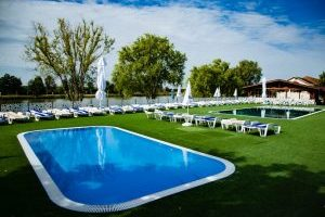 piscina+camelot